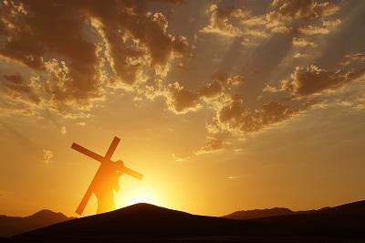 """למה התכוון ישוע כשאמר שעלינו """"לשאת את הצלב""""?"""