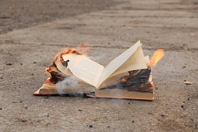 איך אתם יכולים להאמין בברית החדשה? זה ספר מסוכן ומלא אנטישמיות!
